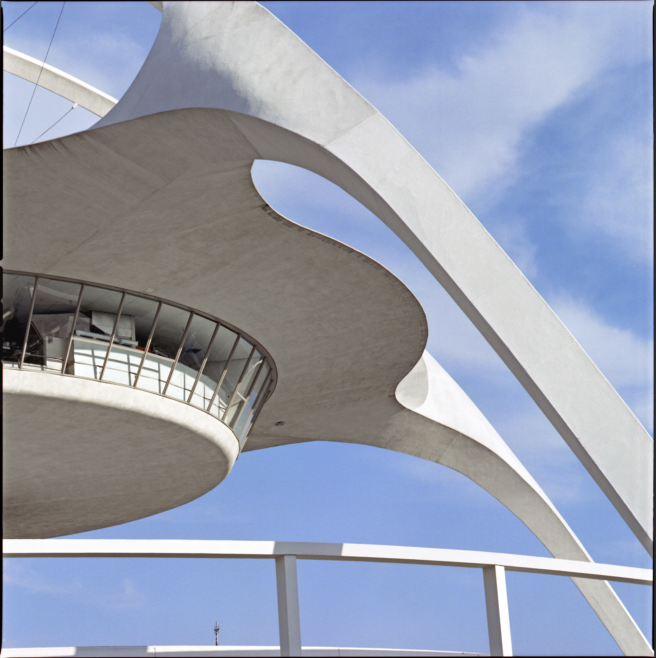 Los Angeles International Airport, Los Angeles, California, Pereira & Luckman architects, 2005